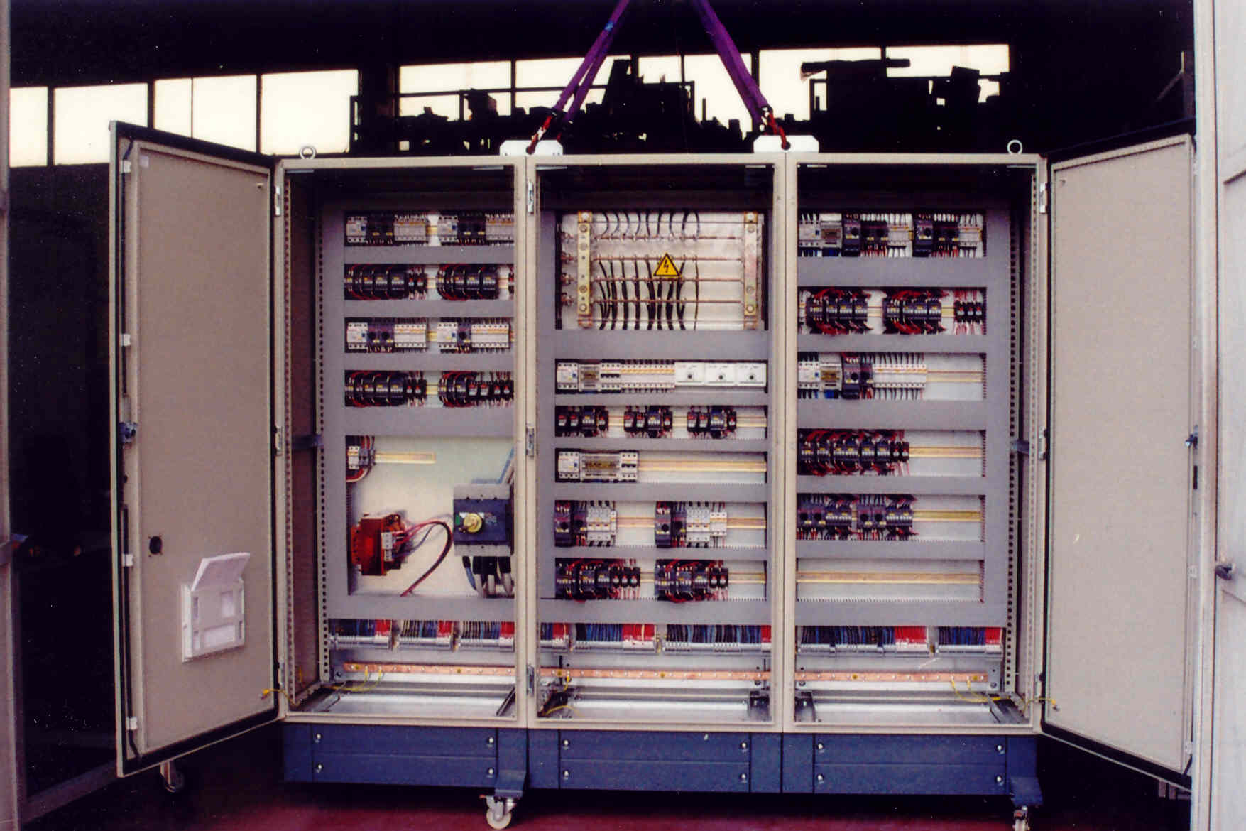 Schemi Elettrici Per Quadri : Quadri elettrici